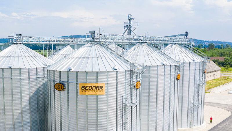 BEDNAR Farm Technology - Sila s plochým dnem